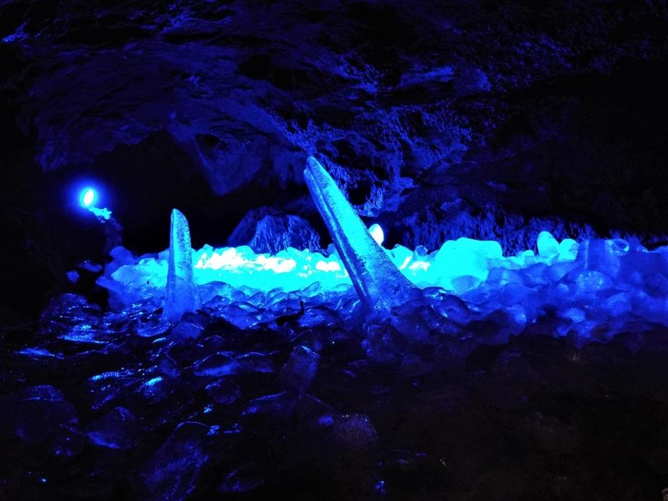Mont Fuji – Narusawa – Fujikawaguchiko : Les grottes Narusawa-hyōketsu et Fugaku-fūketsu