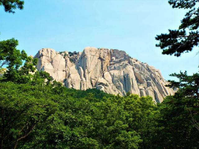 Sokcho - Seoraksan : Le rocher Ulsanbawi
